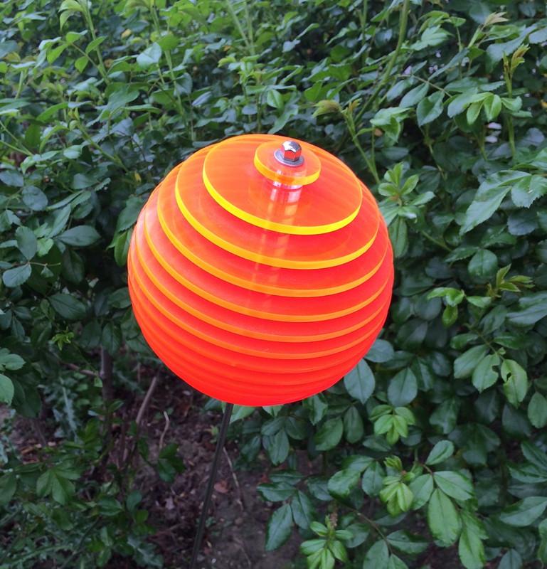 orange Kugel LOLLY Ø11,5 cm, 1 m Stahlstab/Schraube, 15 Scheiben