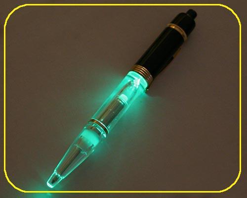 Schwarzer Kugelschreiber LED grün