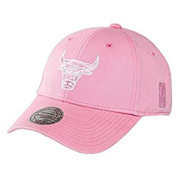 Mitchell & Ness Snapback Cap in Pink - NBA Chicago Bulls
