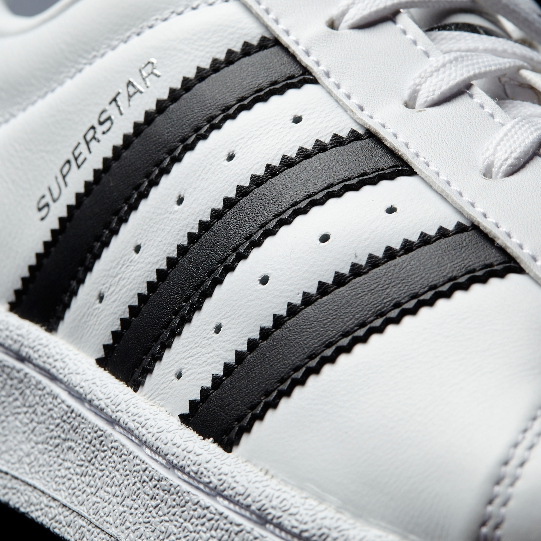 Adidas Superstar Metal Toe Retro & Vintage Sneakers für Damen in weiss metallic