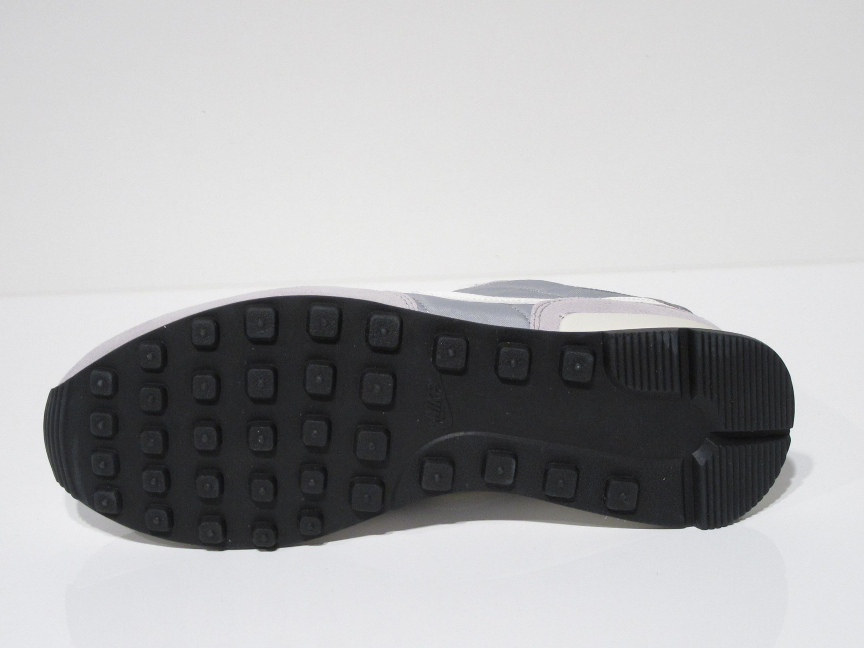 Nike Internationalist Retro Running Sneakers für Herren in grau