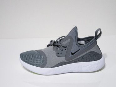 Nike Lunarcharge Essential Freizeitsneakers für Herren in grau