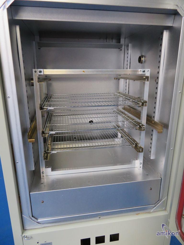 Vötsch Wärmeschrank mit Stickstoffzufuhr TU 60/60 G-ISO Temp. 250°C   Hover