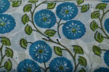 "Handbedruckter indischer Mulmal ""Blue Flower II"" white printed green/blue"