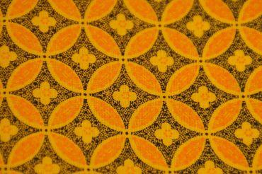 """Original Shweshwe Baumwollstoff """"Blume des Lebens"""" gelb mit orange/ schwarz in 90cm Breite"""