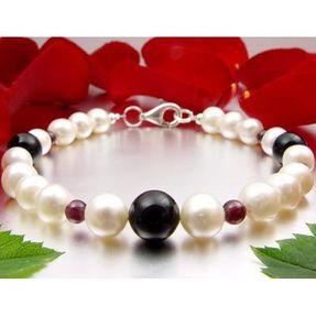 Armband-aus-Onyx-und-Granat-und-Perlen