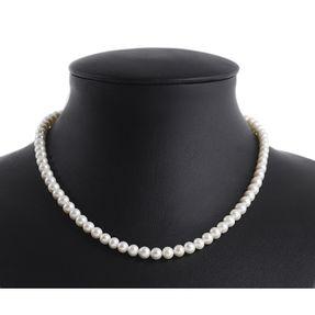 Kette-aus-echten-Perlen-creme-weiß-klassisch