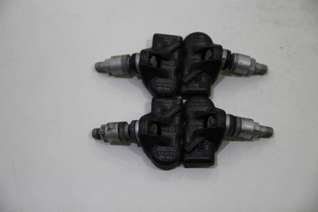 Orig. VW Audi 4x Reifendrucksensoren RDK Reifendruck Sensoren 5Q0907275