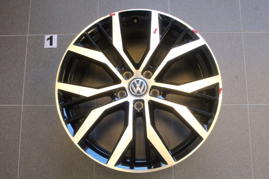 5G0601025AN VW Golf 7 GTD GTI RLine Felgensatz 19 Zoll Santiago Alufelgen Felgen
