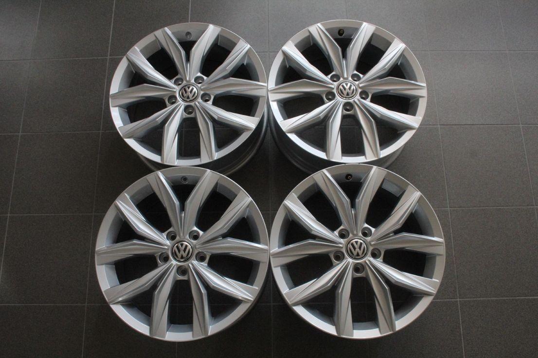 VW Tiguan 2 5NA Winterräder 235 55 18 Zoll Alufelgen Kingston 5NA601025B 2176