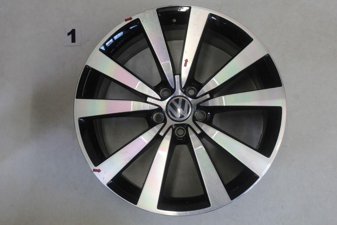 [Paket] VW Beetle 5C Winterräder Alufelgen Tornado schwarz 235 40 19 Zoll 5C0601025N