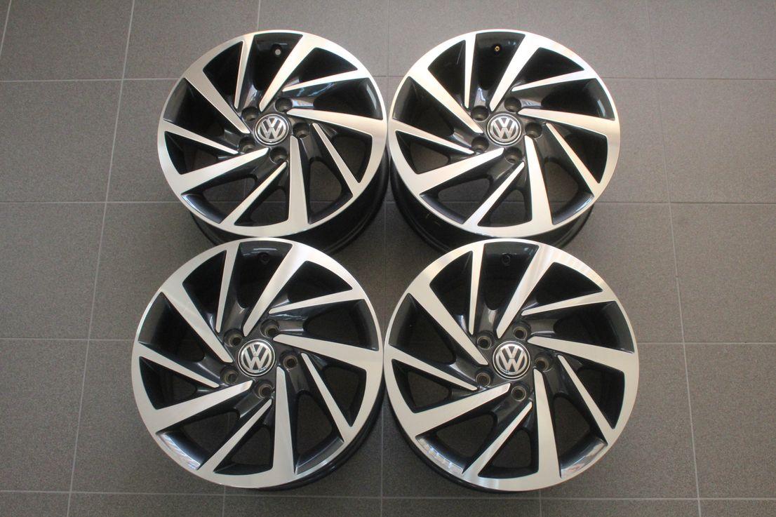 VW Touran 5T Winterräder Alufelgen 205 60 16 Zoll Woodstock 5TA601025K