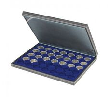 NERA M coin case with a dark blue insert with 35 ound compartments. Suitable for coins or coin capsules with Ø of 32 mm, e.g. for 2 EURO coins in LINDNER coin capsules.  – Bild 1