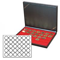NERA M coin case with a light red insert with 30 round compartments. Suitable for coin capsules with Ø of 39,5 mm, e.g. for 10 or 20 EURO silver coins GERMANY in LINDNER coin capsules.  – Bild 2