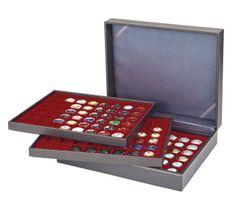 Münzkassette NERA XL mit 3 Tableaus und dunkelroten Münzeinlagen mit 144 quadratischen Fächern für Münzen/Münzkapseln bis Ø 30 mm oder Champagner-Kapseln – Bild 2