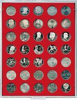 Plateau velours rouge vif à 35 alvéoles ronds pour monnaies Ø 31 mm