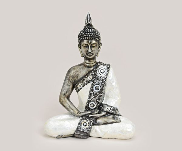 thai buddha figur sitzend 27 cm wei silber. Black Bedroom Furniture Sets. Home Design Ideas