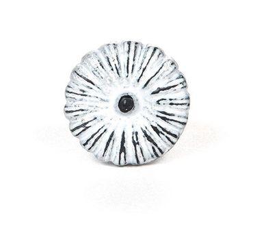 Möbelknopf Eisen kleine Blüte hellgrau – Bild 1
