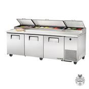 True Edelstahl Pizzakühltisch 875 L, 12 Behälter