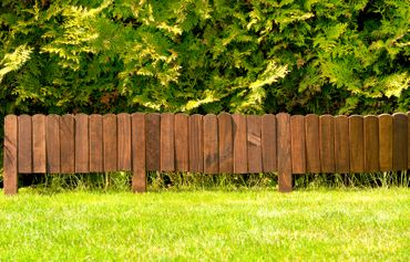 Floranica® Spiked Roll Boarder as plug-in fence 203 cm long, height 20 cm as wooden border for flower beds, border for lawn edges or palisades – natural color weatherproof impregnated – Bild 5
