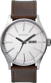 Nixon Sentry Leather A105-1113 Herrenarmbanduhr Design Highlight