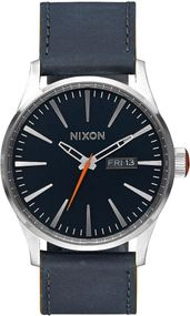 Nixon Sentry Leather A105-863 Herrenarmbanduhr Design Highlight