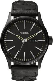 Nixon Sentry Leather A105-1928 Herrenarmbanduhr Design Highlight