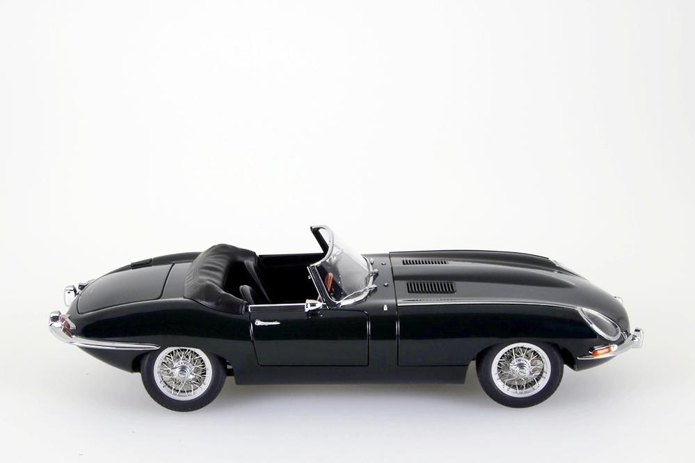 Jaguar E-Type Roadster Series I 3.8  dunkelgrün   – Bild 8