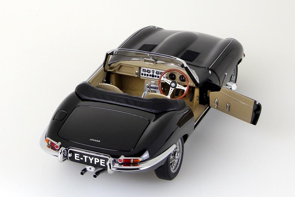 Jaguar E-Type Roadster Series I 3.8  schwarz   – Bild 11