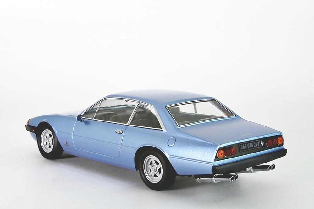 Ferrari 365 GT4 2+2, 1972 hellblau Metallic – Bild 2