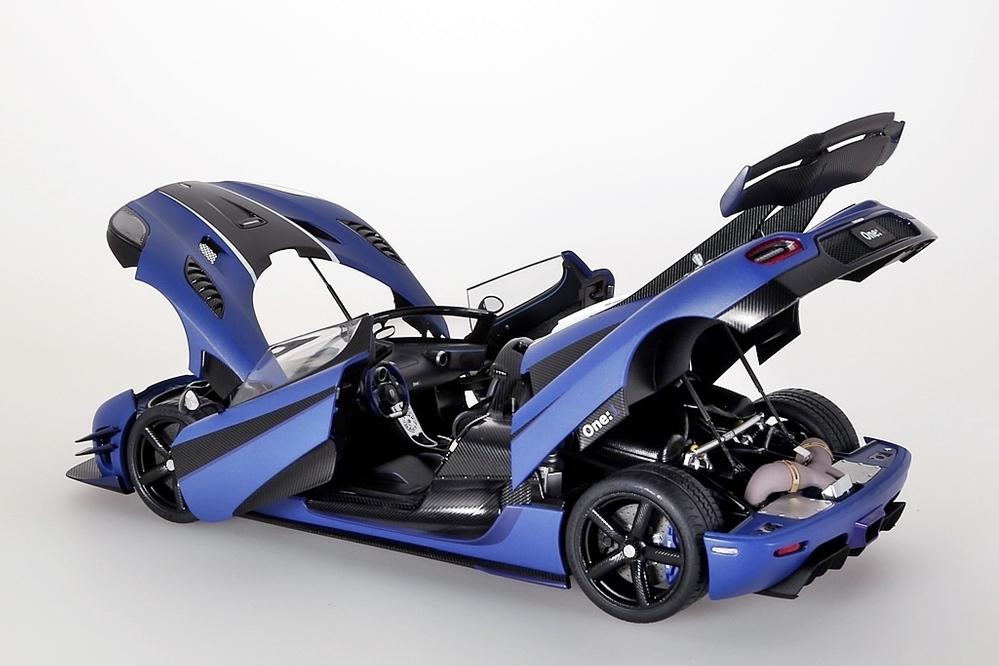 Koenigsegg One:1  2014  blau matt /carbon black – Bild 13