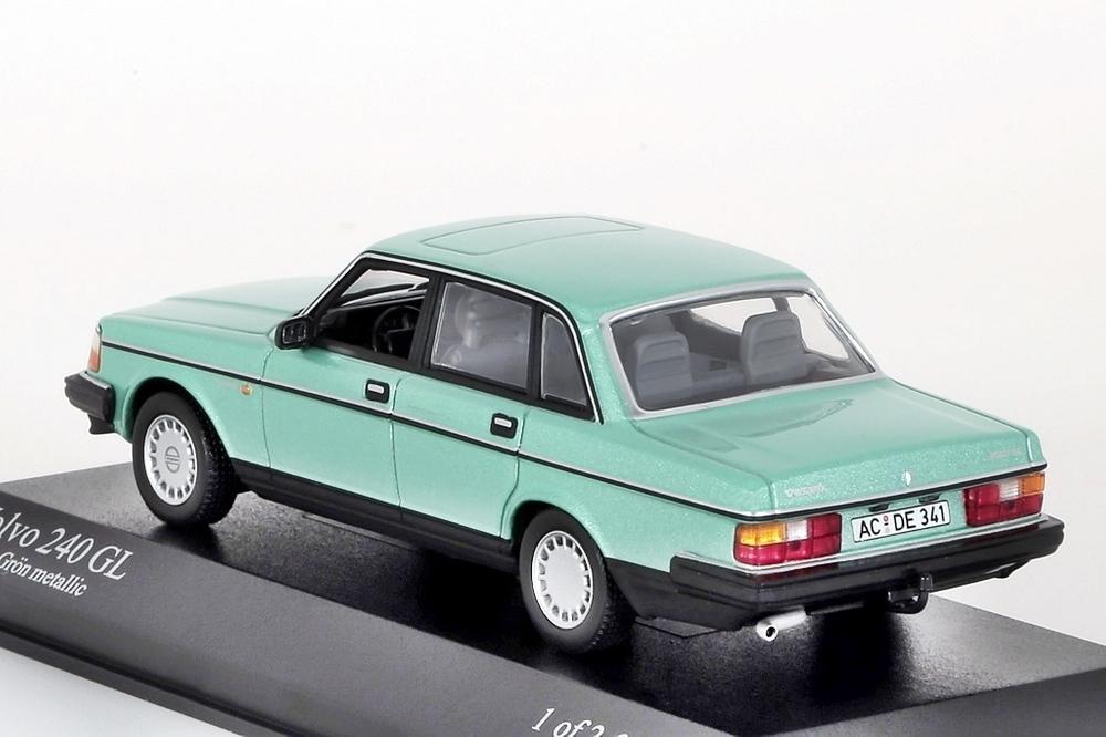 Volvo 240 GL 1986 hellgrün metallic – Bild 2