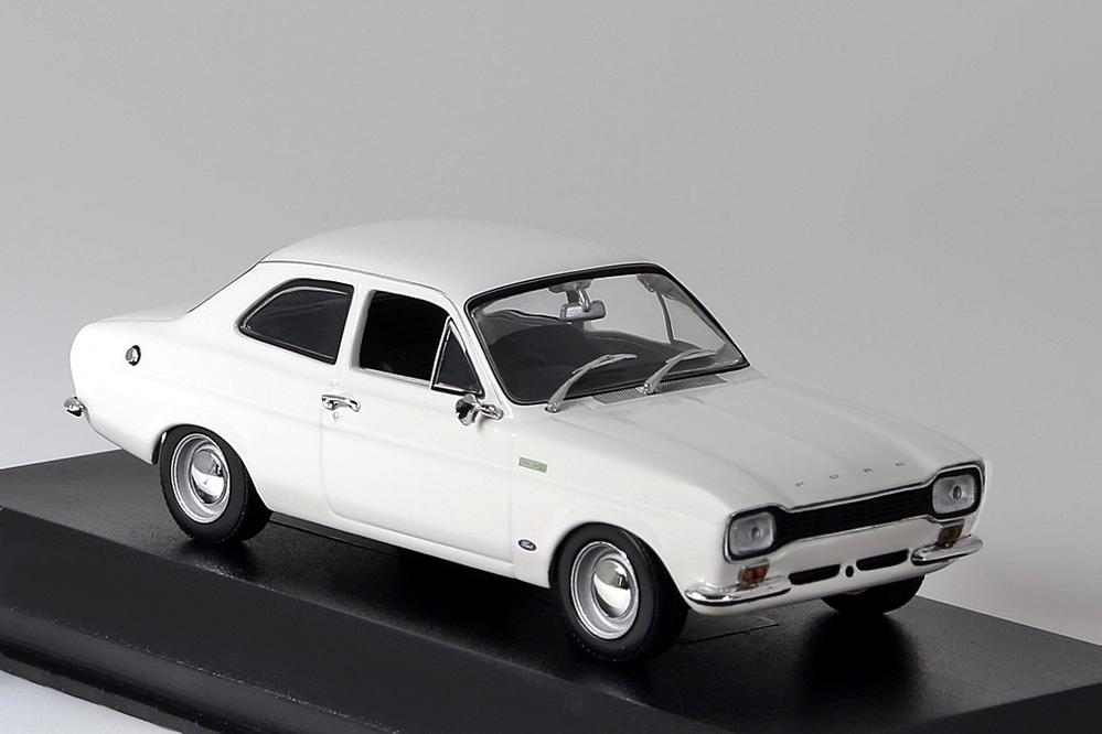 Ford Escord TC 1968 weiss – Bild 2