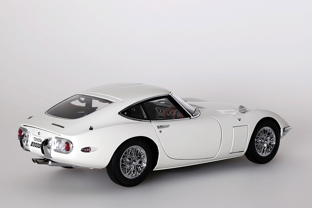 Toyota 2000 GT Coupe 1965  weiss with wire spoke wheels – Bild 7