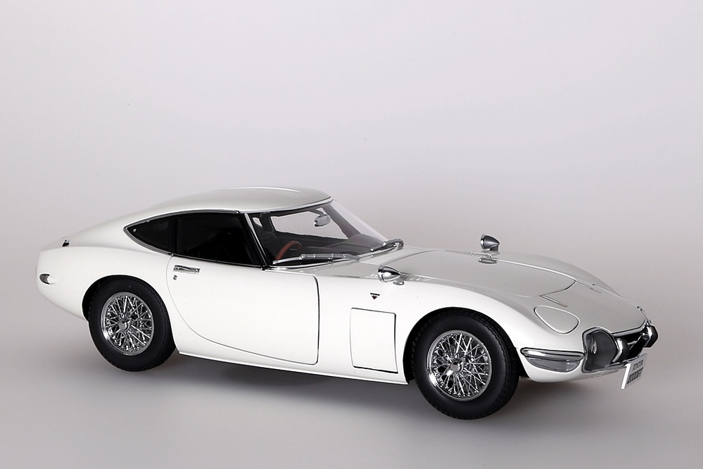 Toyota 2000 GT Coupe 1965  weiss with wire spoke wheels – Bild 8