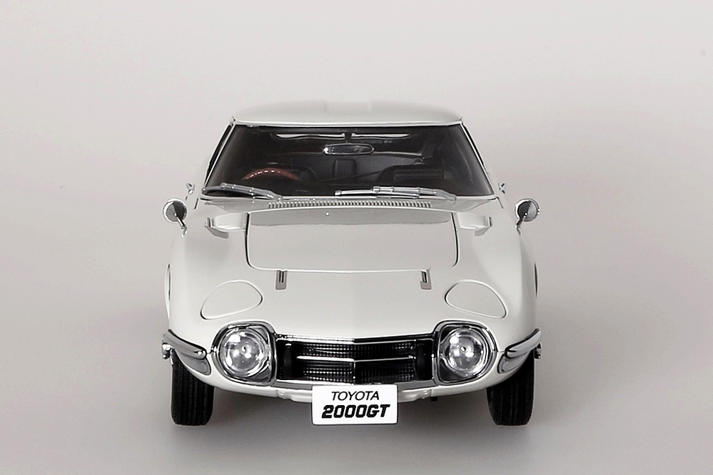Toyota 2000 GT Coupe 1965  weiss with wire spoke wheels – Bild 4