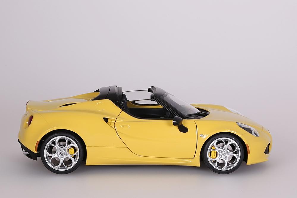 Alfa Romeo 4C Spider (giallo proto tipo) yellow – Bild 7