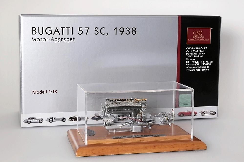 Bugatti 57 SC Engine incl. Vitrine / Showcase – Bild 1