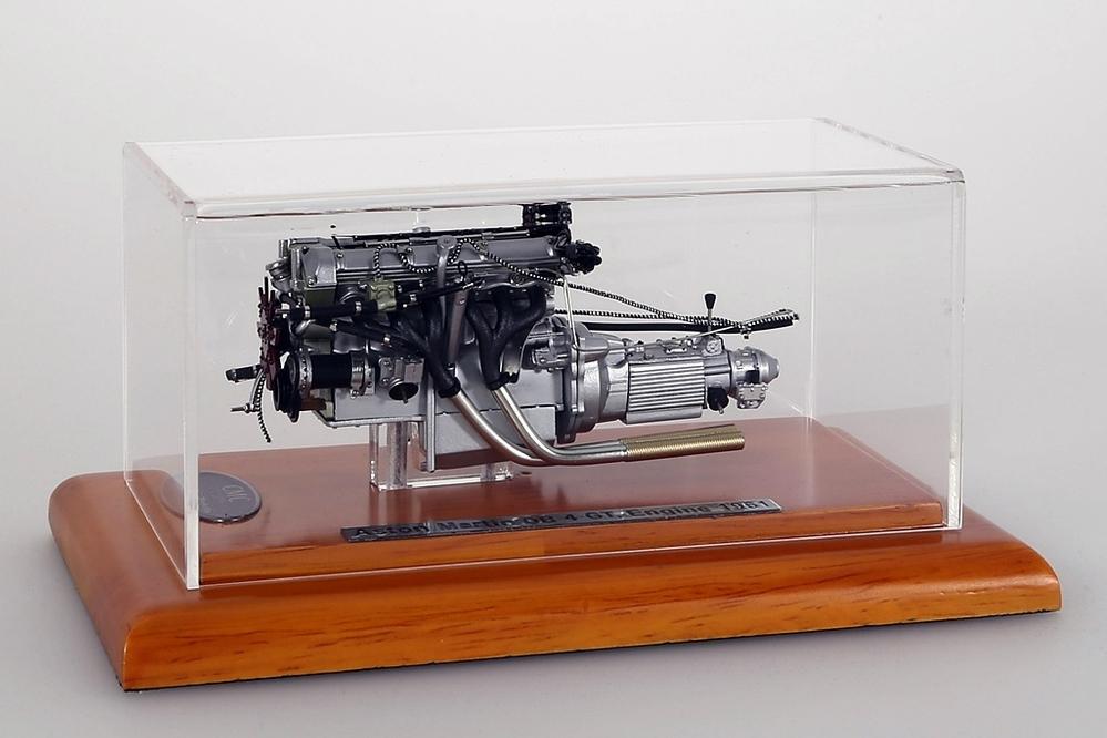 Aston Martin DB4 GT Engine 1961 – Bild 2