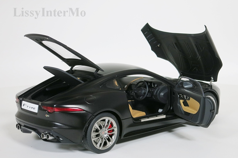 Jaguar F-Type R Coupe 2015  schwarz matt  – Bild 9