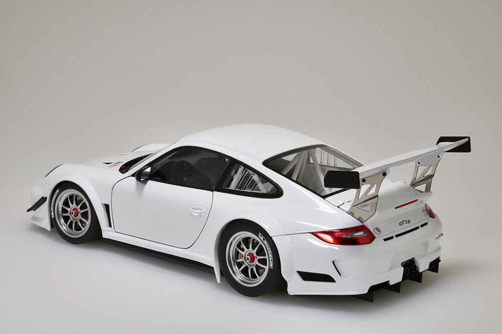 Porsche 911 (997) GT3 R   2010 Plain Body Version weiss  – Bild 3