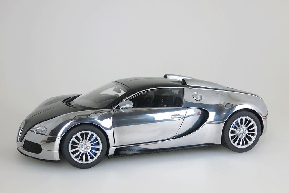 Bugatti Veyron EB 16.4  2008 schwarz / aluminium – Bild 1
