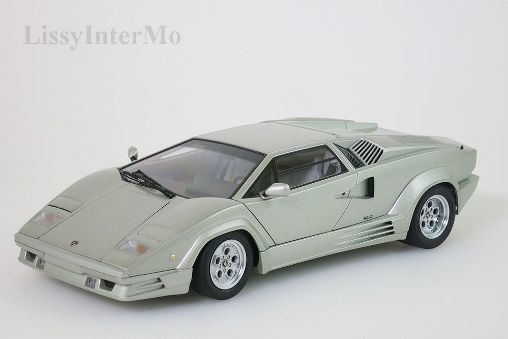 Lamborghini Countach 1990 25th Anniversary Edition hellgrau metallic – Bild 3