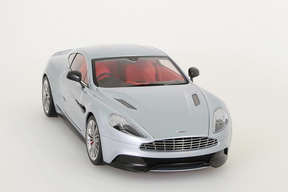 Aston Martin Vanquish 2015 silber – Bild 10