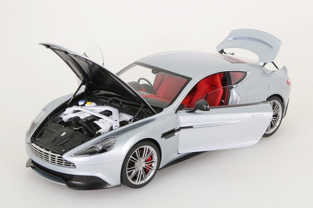 Aston Martin Vanquish 2015 silber – Bild 5