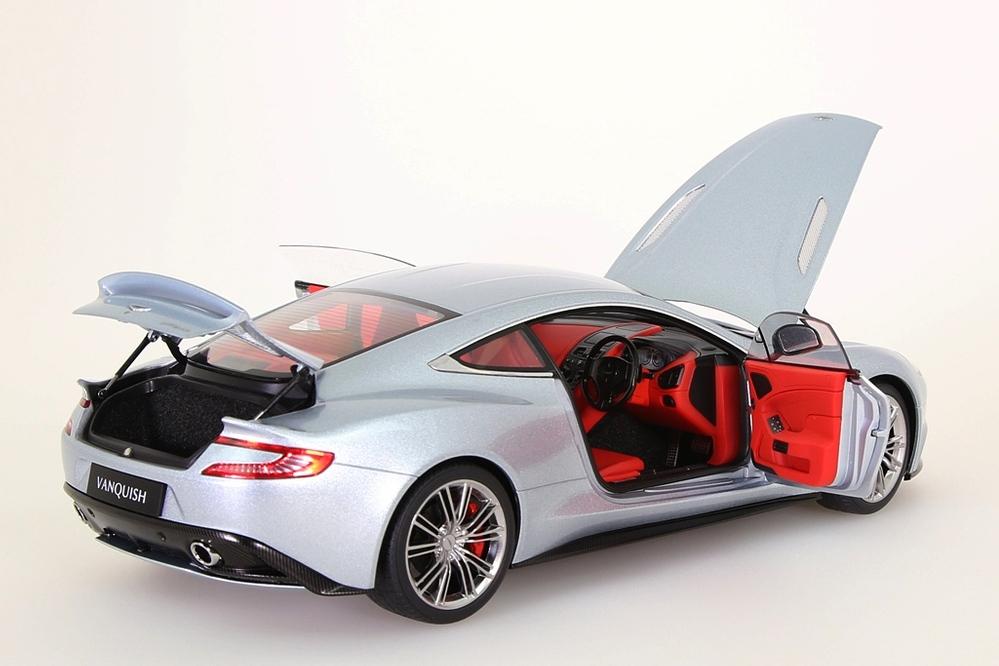 Aston Martin Vanquish 2015 silber – Bild 12