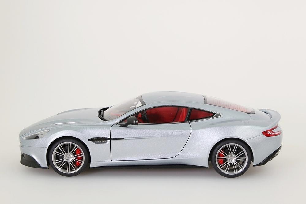 Aston Martin Vanquish 2015 silber – Bild 3