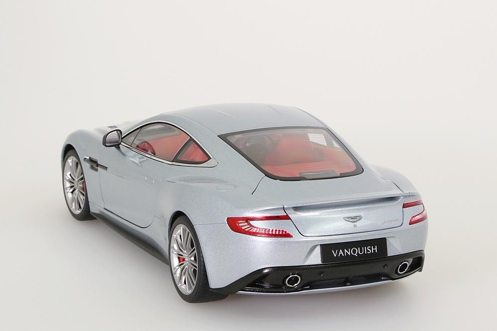 Aston Martin Vanquish 2015 silber – Bild 2