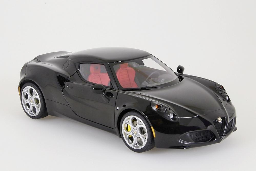 alfa romeo 4 c 2013 noir autoart 1 18 nouveau neuf dans sa. Black Bedroom Furniture Sets. Home Design Ideas
