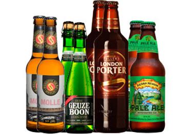 Biere in der Bar Paket mit 8 Bierflaschen